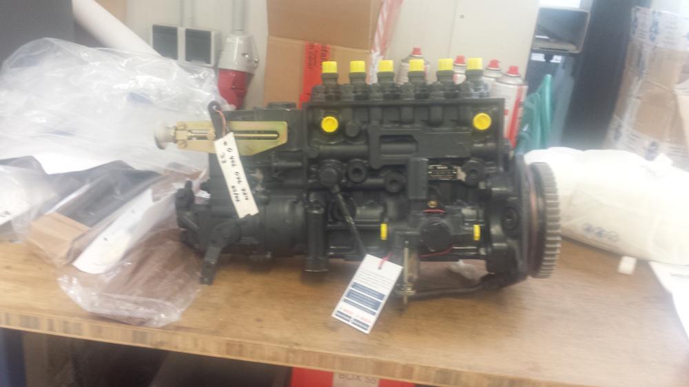 Bơm cao áp Bosch mã số 0160741402